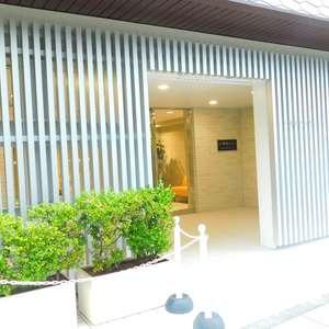 大塚台ハイツのマンションの入口・エントランス