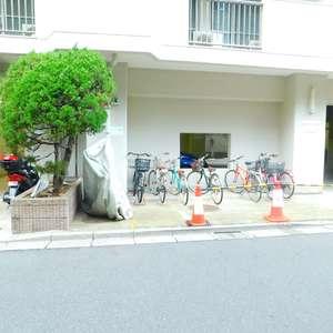 大塚台ハイツの駐輪場