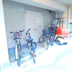 サンサーラ大塚の駐輪場