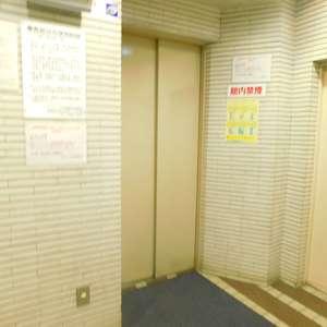 サンサーラ大塚のエレベーターホール、エレベーター内
