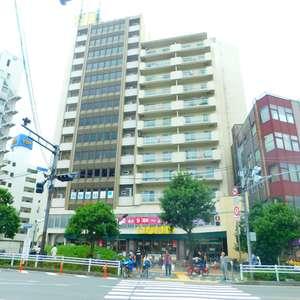 北新宿サマリヤマンションの外観