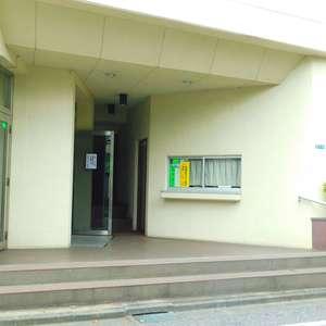 北新宿サマリヤマンションのマンションの入口・エントランス