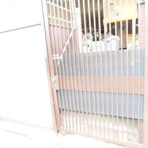北新宿サマリヤマンションのごみ集積場