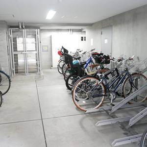 ルピナス台東レジデンスの駐輪場