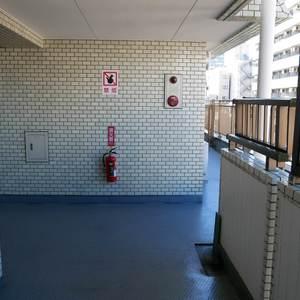 スカイノブレ御徒町(9階,)のフロア廊下(エレベーター降りてからお部屋まで)