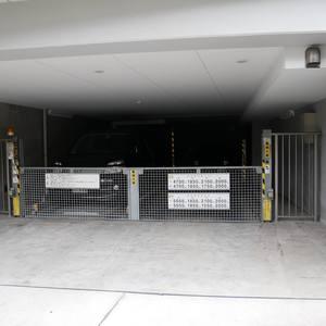 レヴィ亀戸の駐車場