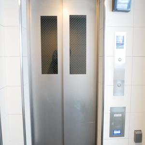 レヴィ亀戸のエレベーターホール、エレベーター内