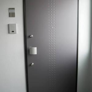 レヴィ亀戸(6階,4899万円)のフロア廊下(エレベーター降りてからお部屋まで)