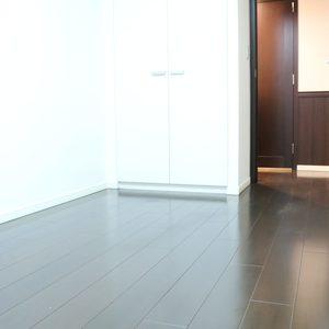 シティタワー四谷(3階,8480万円)の洋室(2)