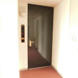 パークコート中落合(2階,7980万円)のフロア廊下(エレベーター降りてからお部屋まで)