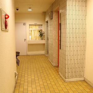 パラシオン本郷のエレベーターホール、エレベーター内