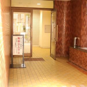 パラシオン本郷のマンションの入口・エントランス