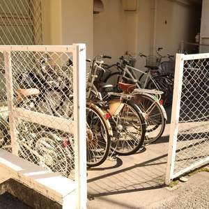 パラシオン本郷の駐輪場