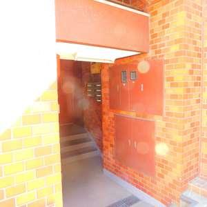 ブラザー若林マンションのマンションの入口・エントランス