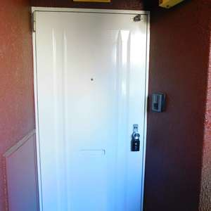 ブラザー若林マンション(5階,)のフロア廊下(エレベーター降りてからお部屋まで)