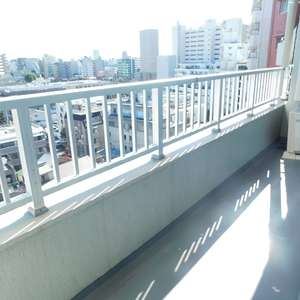 サードリハイツ本館(9階,3599万円)のバルコニー