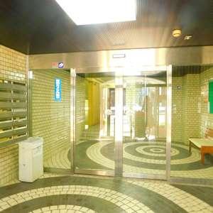 サングリア中目黒のマンションの入口・エントランス