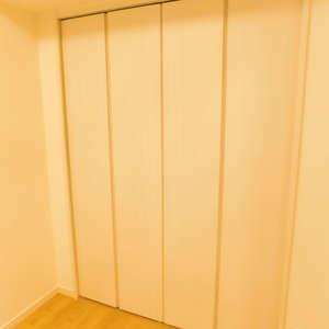 護国寺ロイアルハイツ(2階,3680万円)の洋室