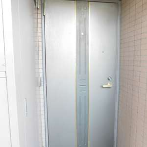 落合シティタワー(7階,6480万円)のフロア廊下(エレベーター降りてからお部屋まで)