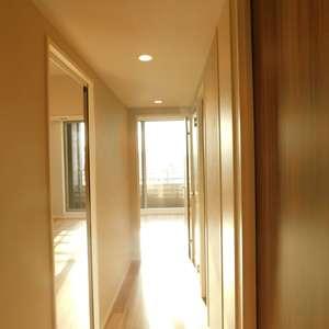 落合シティタワー(7階,6480万円)のお部屋の廊下