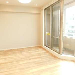 落合シティタワー(7階,6480万円)の居間(リビング・ダイニング・キッチン)