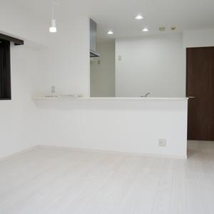 ダイアパレス元浅草ブライトスクエア(4階,4680万円)の居間(リビング・ダイニング・キッチン)