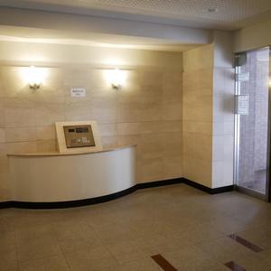 ファミール浅草シティウエストのマンションの入口・エントランス