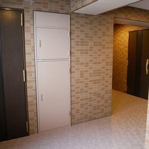 ファミール浅草シティウエスト(4階,3280万円)のフロア廊下(エレベーター降りてからお部屋まで)