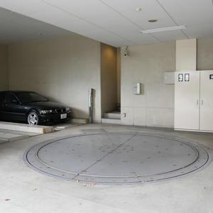 ダイナシティ雷門の駐車場