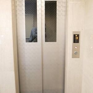 ダイナシティ雷門のエレベーターホール、エレベーター内