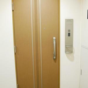 ダイナシティ雷門(2階,3180万円)のフロア廊下(エレベーター降りてからお部屋まで)