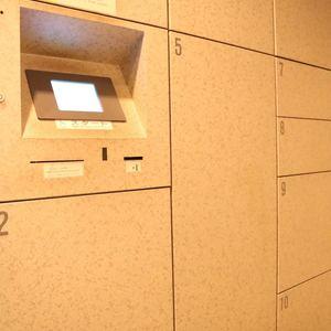 清澄公園ガーデンハウスのエレベーターホール、エレベーター内