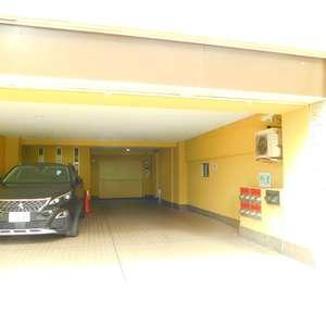 中目黒マンションの駐車場