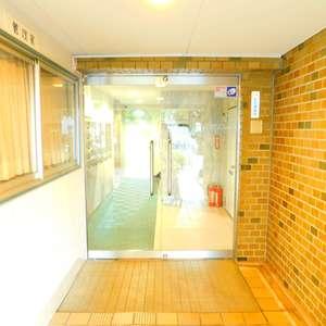 第8宮庭マンションのマンションの入口・エントランス