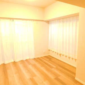 第8宮庭マンション(2階,3799万円)の洋室