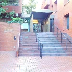 東高原宿ペアシティのマンションの入口・エントランス