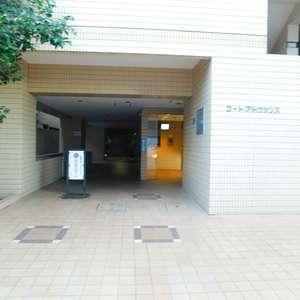 コートアドヴァンスのマンションの入口・エントランス