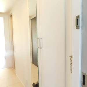 クレセントマンション(5階,5980万円)のお部屋の玄関