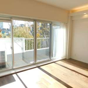 クレセントマンション(5階,5980万円)の居間(リビング・ダイニング・キッチン)
