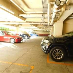 牛込台マンションの駐車場