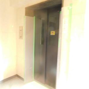 ライオンズガーデン駒込のエレベーターホール、エレベーター内