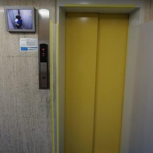 ルモン広尾のエレベーターホール、エレベーター内