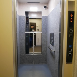 亀戸天神リリエンハイムのエレベーターホール、エレベーター内