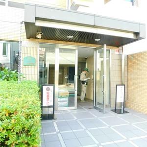 ベルメゾン小石川植物園のマンションの入口・エントランス