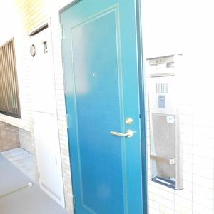 ベルメゾン小石川植物園(5階,)のフロア廊下(エレベーター降りてからお部屋まで)