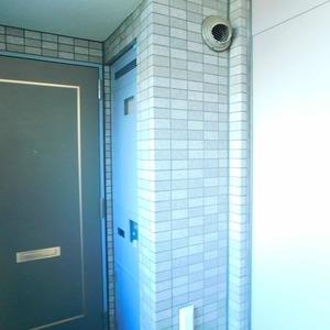 パークサイド小石川植物園(3階,7800万円)のフロア廊下(エレベーター降りてからお部屋まで)
