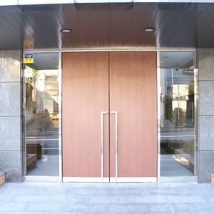 サンパレス駒込壱番館のマンションの入口・エントランス