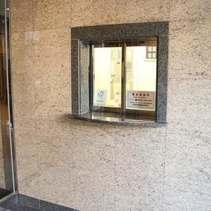 サンパレス駒込壱番館のエレベーターホール、エレベーター内