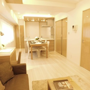 信濃町ハイム(4階,4680万円)の居間(リビング・ダイニング・キッチン)