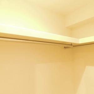 信濃町ハイム(4階,4680万円)の洋室
